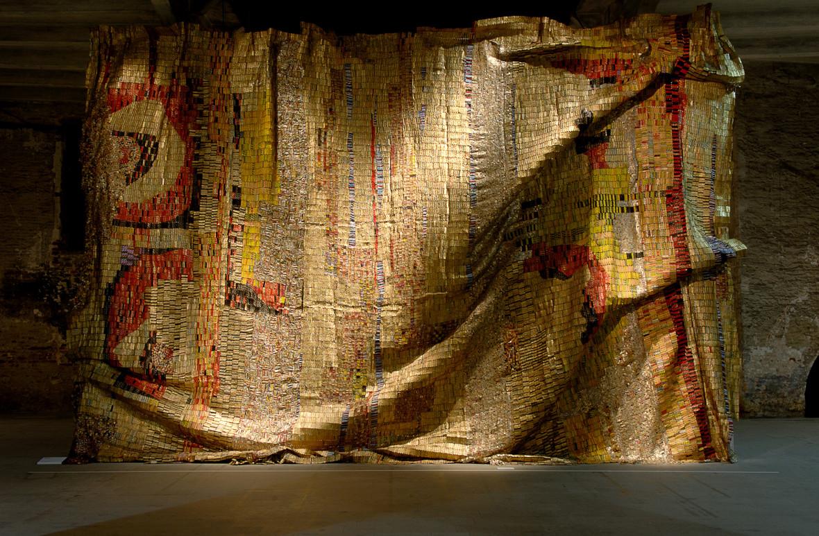 art installation by el anatsui 2